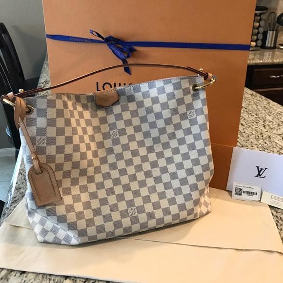 acdc771ca409 Louis Vuitton Handbags - Louis Vuitton Graceful MM Handbag